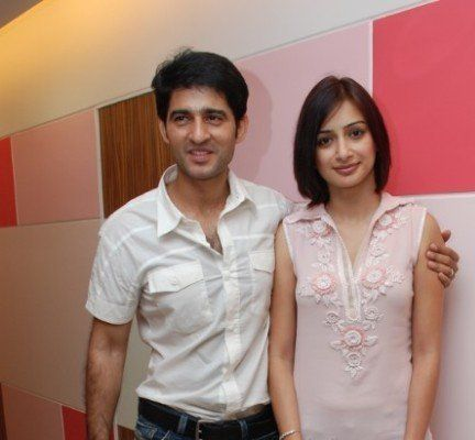 Hiten Tejwani with his wife Gauri Pradhan