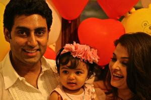 Abhishek-and-Aishwarya-with-Aaradhya