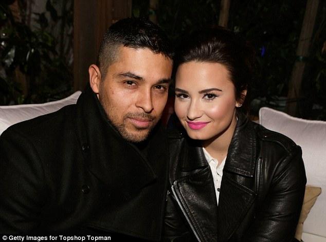 Demi Lovato lashes